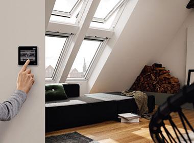 Velux-Fenster-elektrisch-in-Berlin---offizieller-Partner