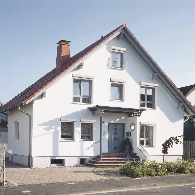 überdachter Vorbau Am Haus: Reflexa Rollläden / Jalousien